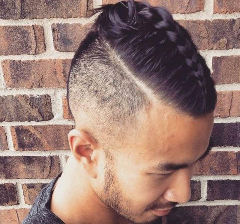 Frisuren lange Haare Männer Sidecut mit Flechtzopf Flechtfrisuren lange Haare