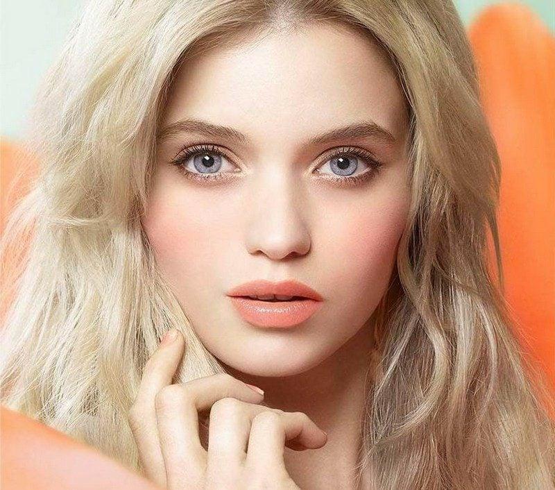 effektvolles Make up blaue Augen