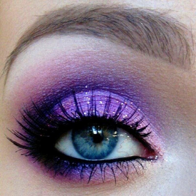 blaue Augen betonen Lidschattenfarben