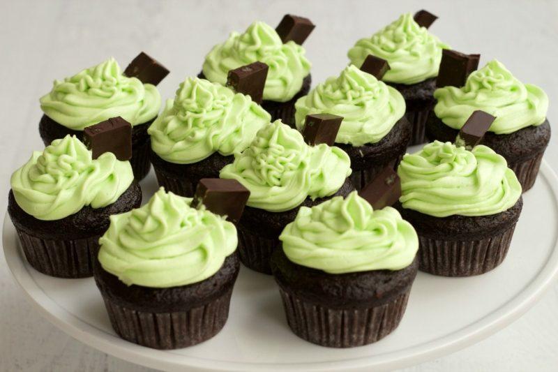 schoko cupcakes minze frosting