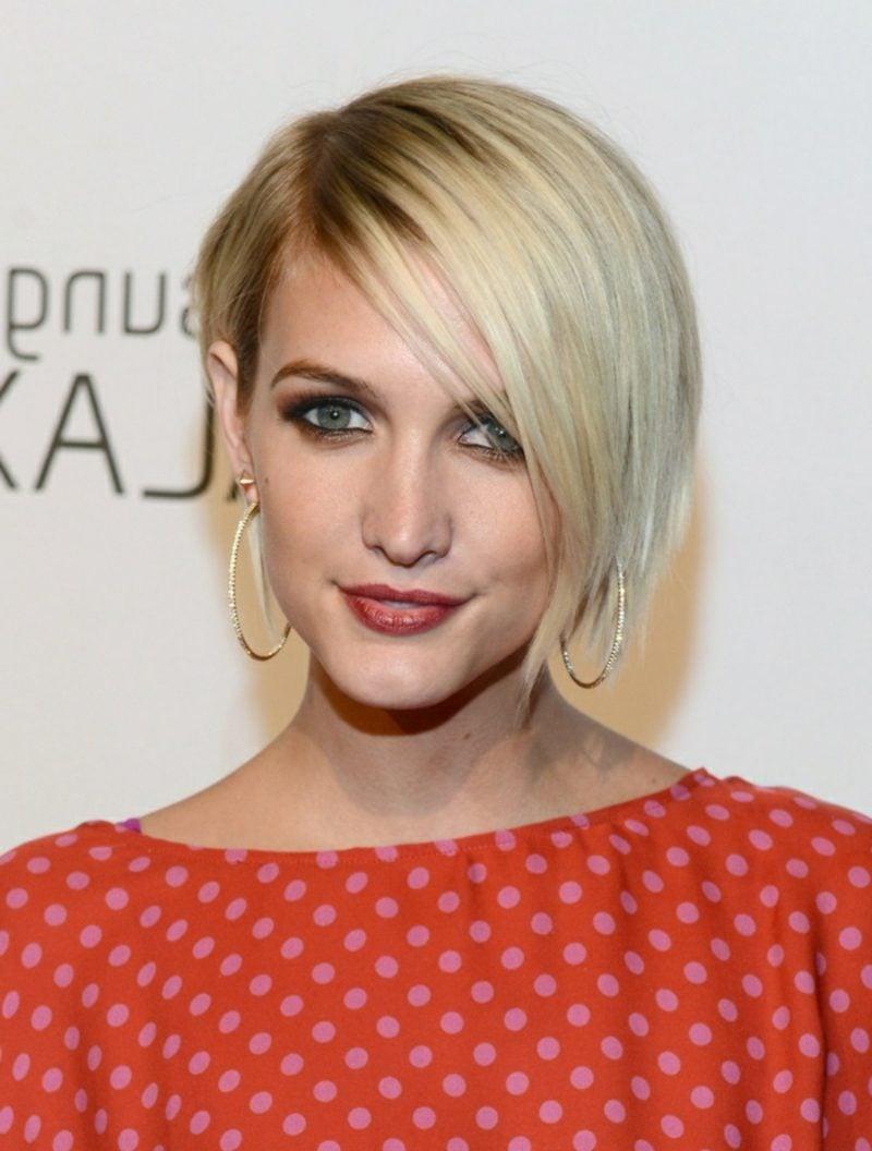 Sidecut Frauen und andere moderne Frisuren für kurze Haare