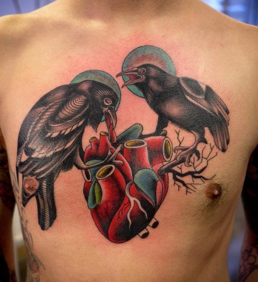 Raven Tattoo, Odins Raben auf ein Herz