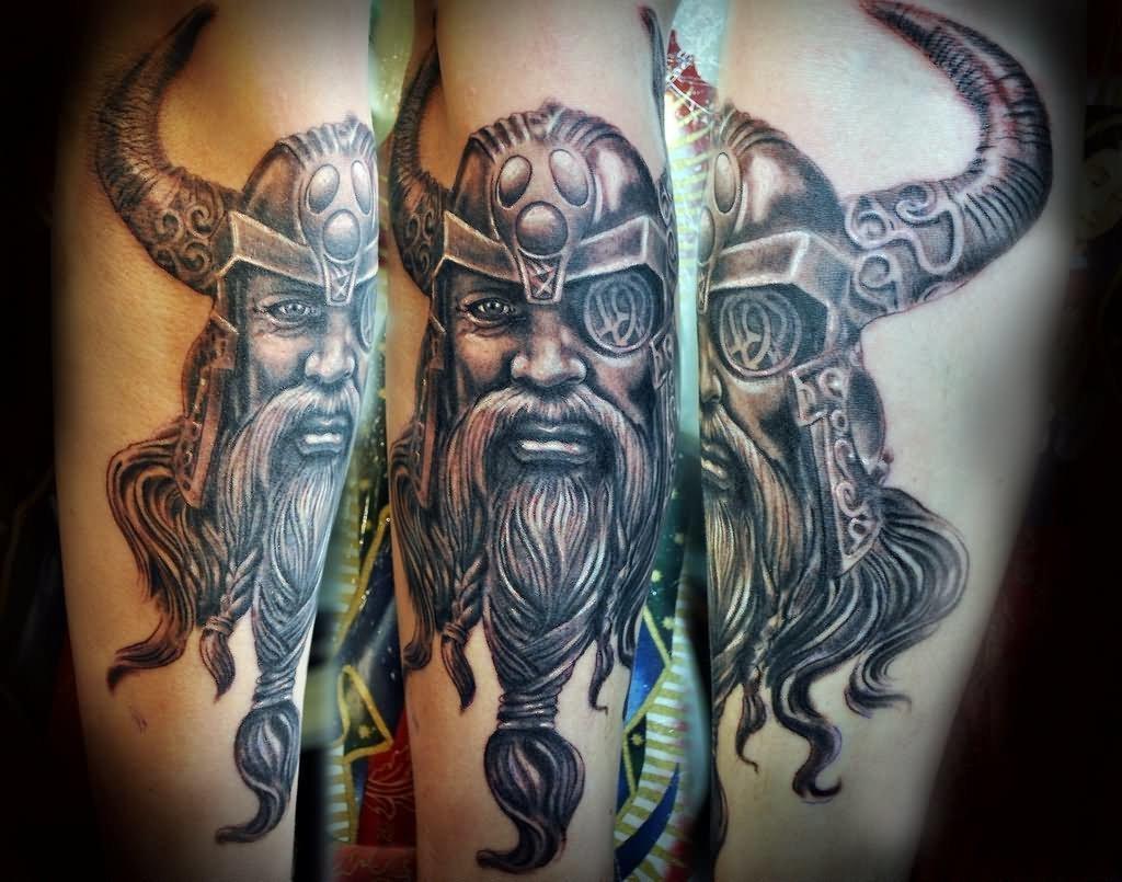 Odin - wikinger Tattoo. der einäugige Gott aus der nordischen Mythologie