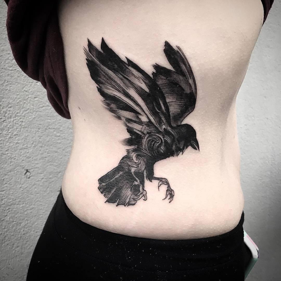 raben tattoo symbolik weisheit in der mythologie oder das b se aus den m rchen tattoos
