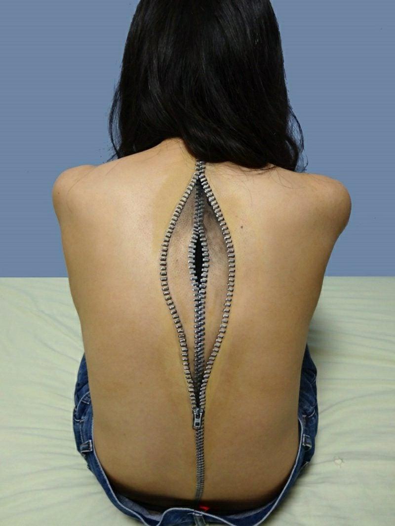 3D Tattoo Frau realistisch Ressverschluss