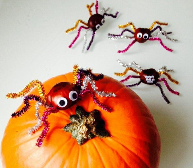 Tiere basteln Kastanien Spinnen