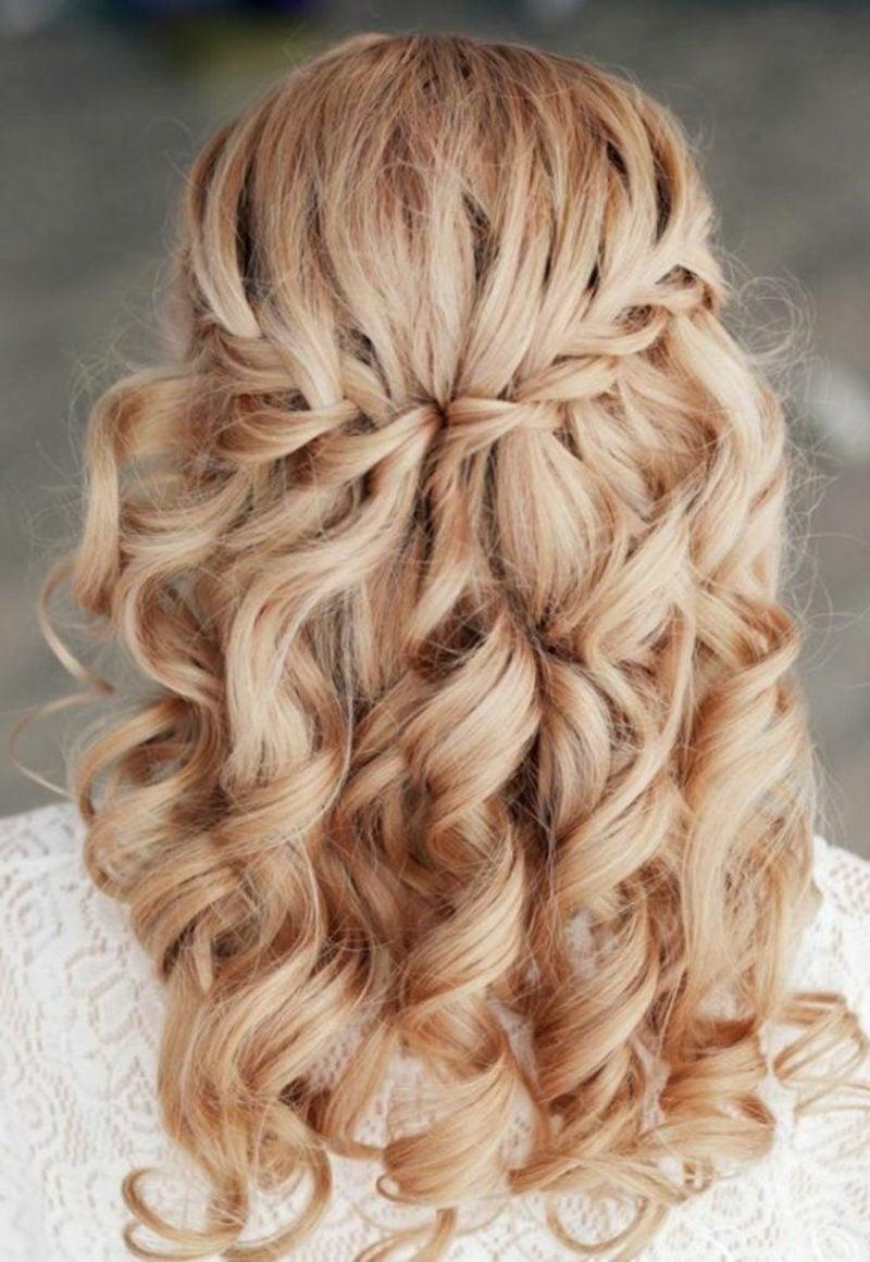 halboffene Frisuren romantisch Wasserfallzopf