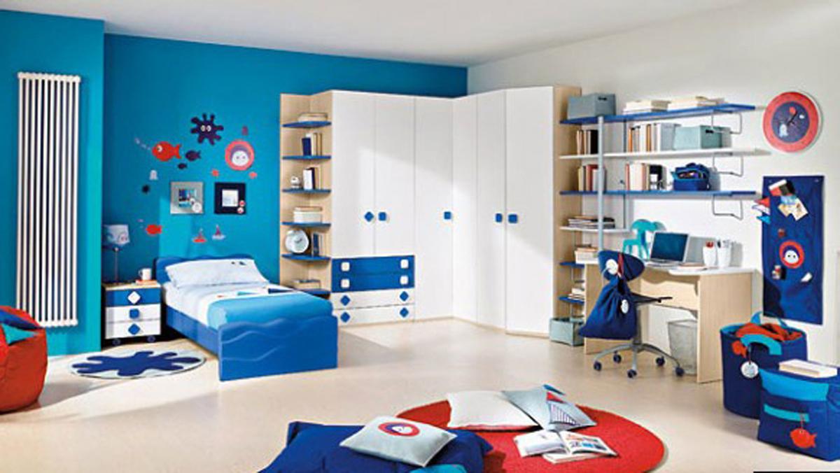 Blaues Kinderzimmer mit Meeresmotiven