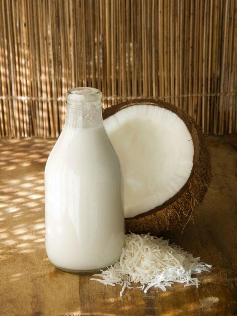 Kokosnusswasser und Kokosmilch Unterschiede