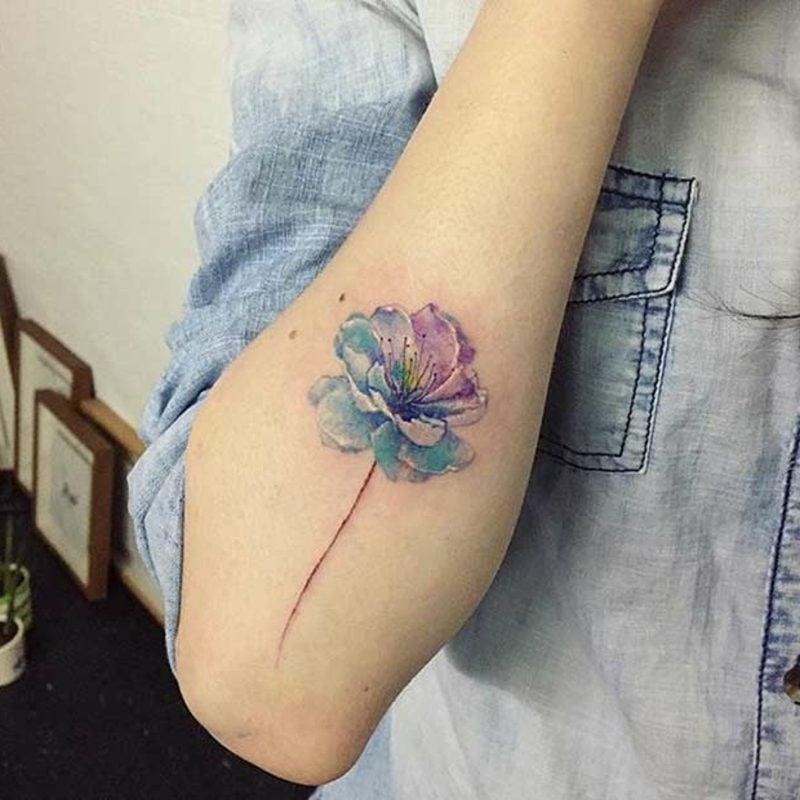 Tattoo Oldenburg Blume Wasserfarben modern