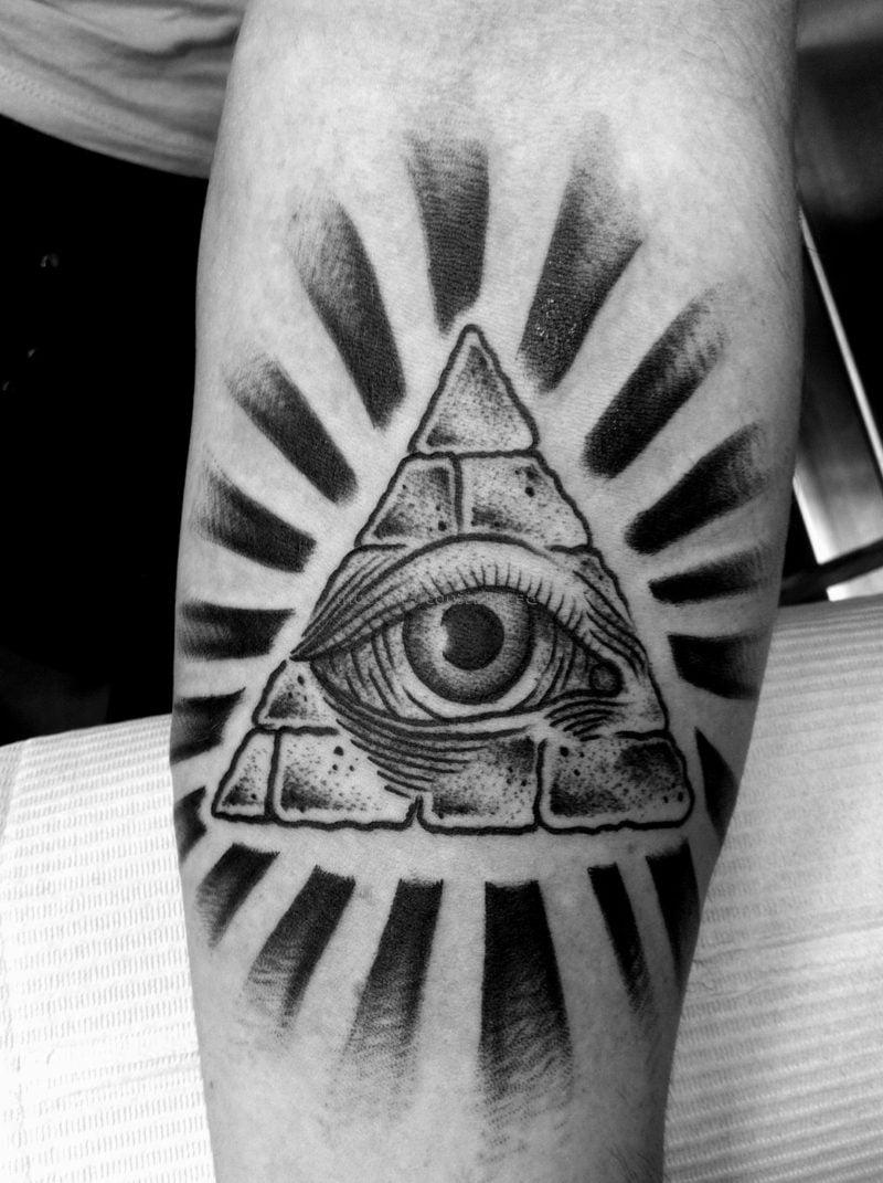 augen tattoo freimaurer motiv