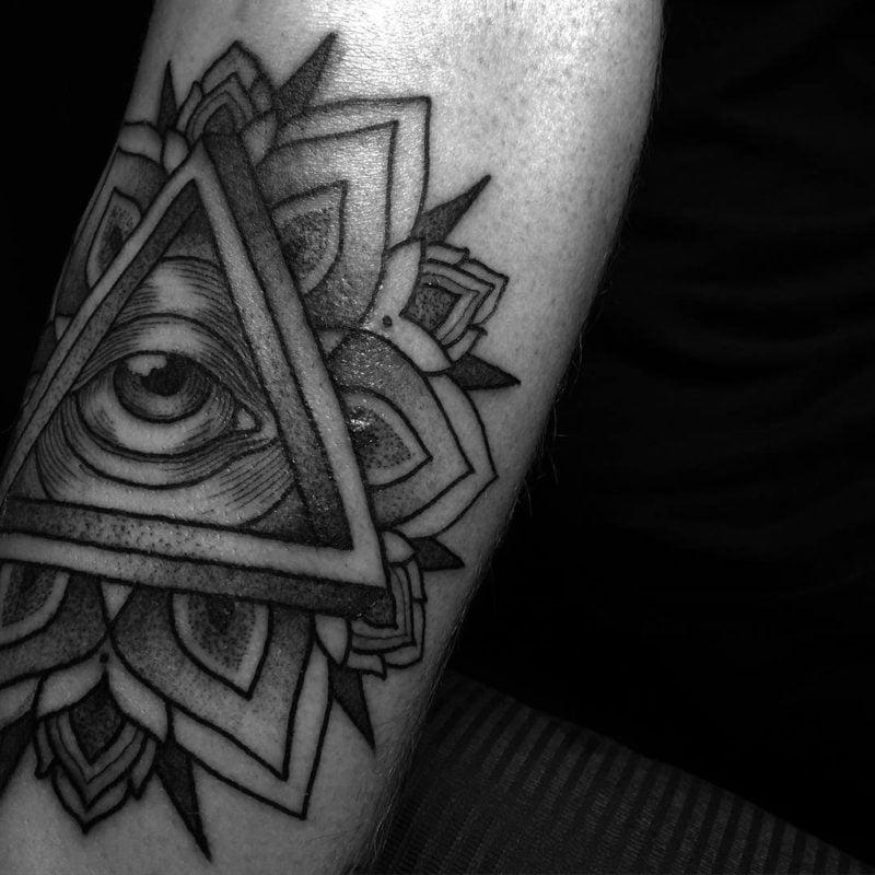 tattoo motiv auge der vorsehung