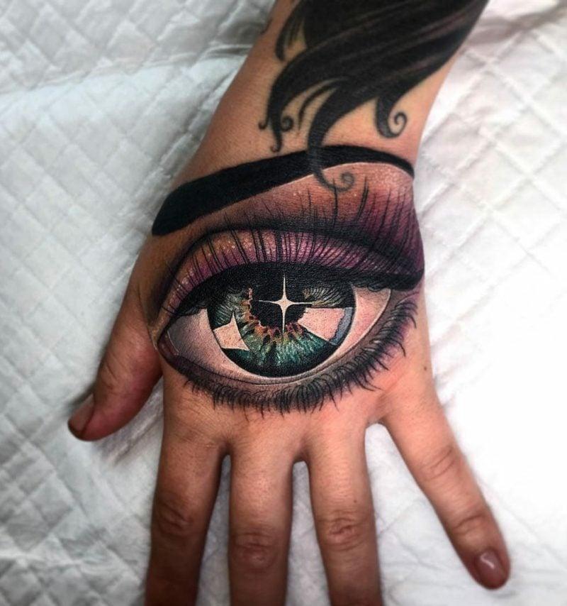 realistisches augen tattoo bunte farben