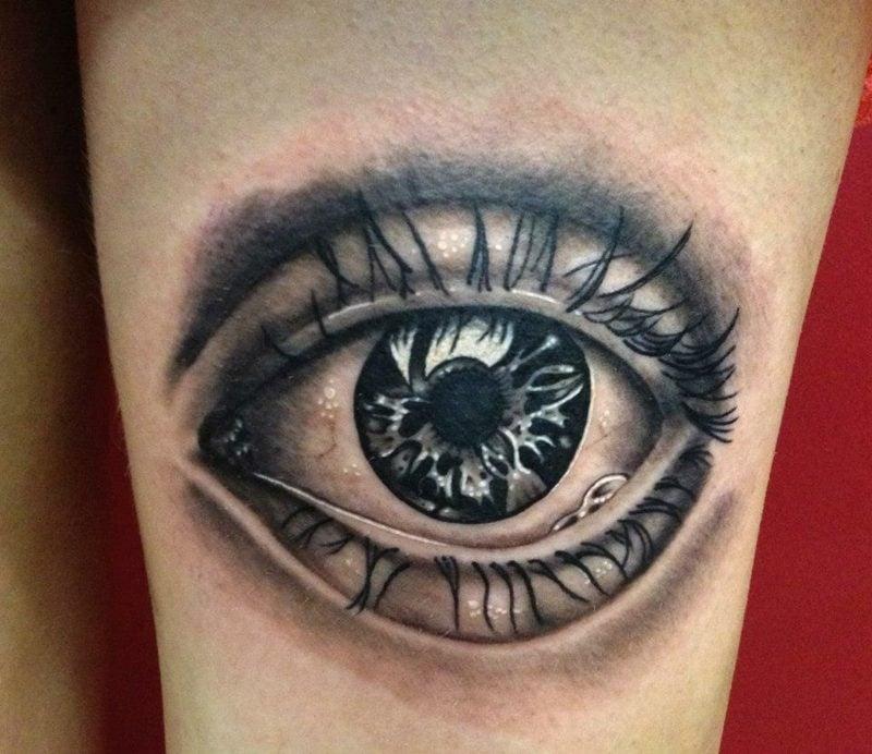 realistische augen tattoo design