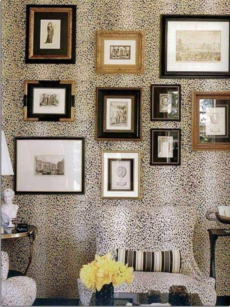 wand dekorieren schwarz und gold bilderrahmen