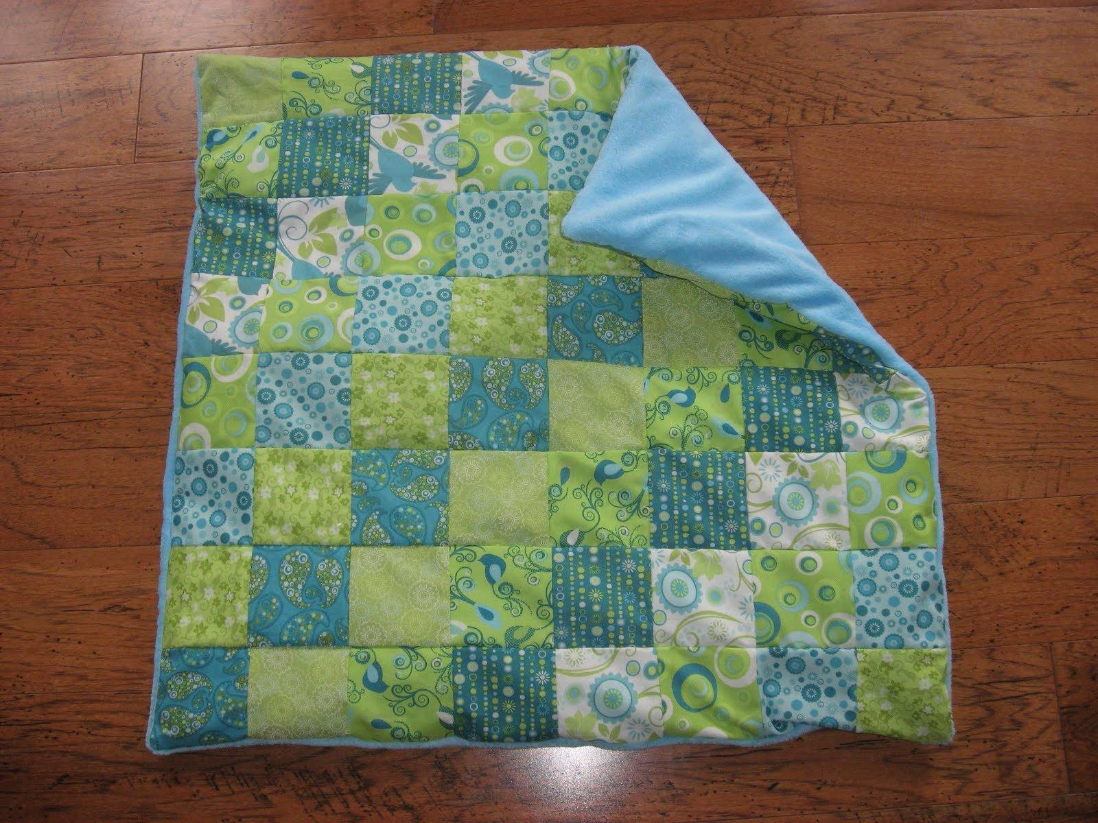 Patschwork Babydecke in grün und blau