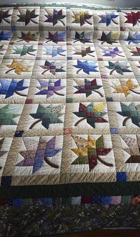 Tolle Patschwork-Decke mit Blätter