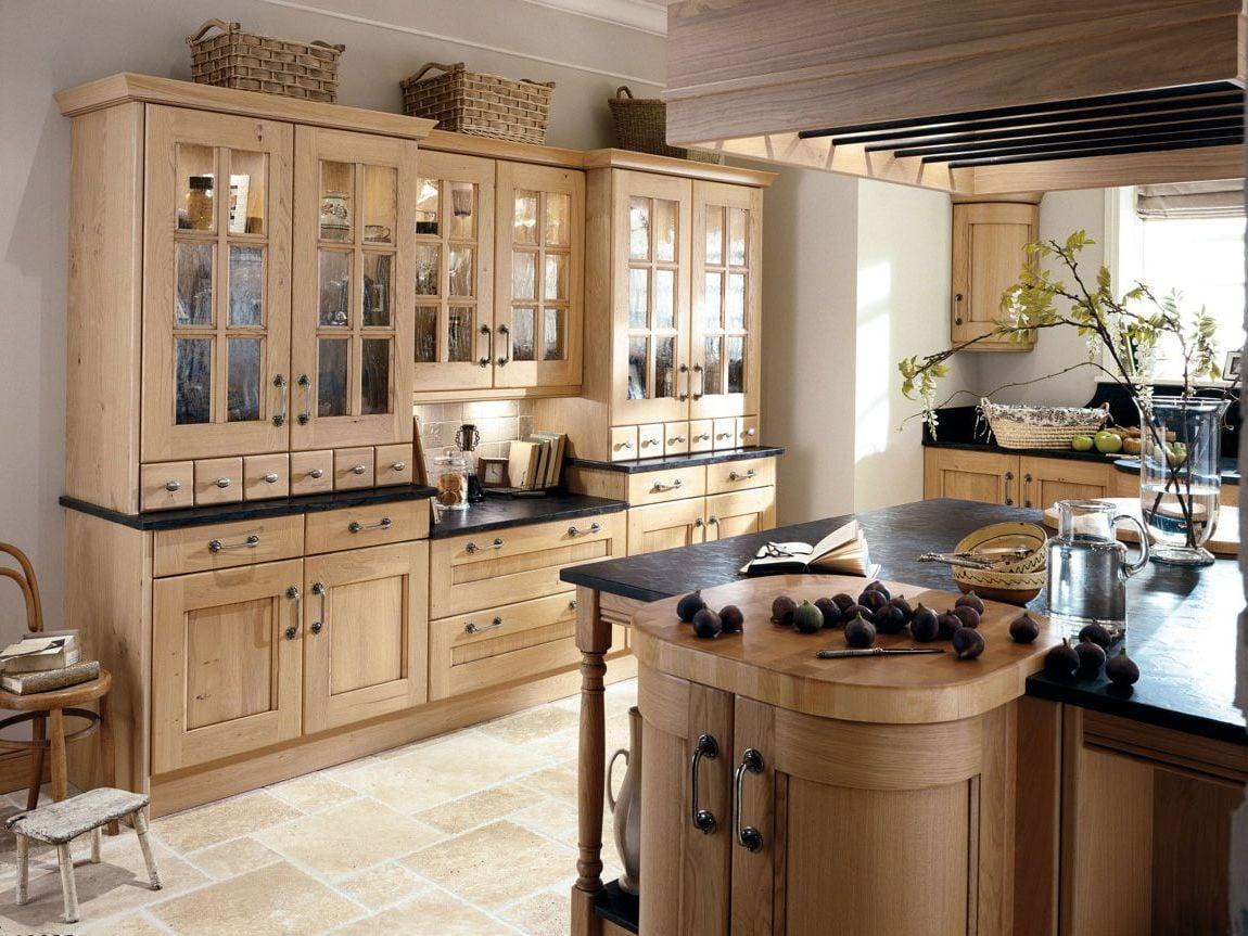 Dezente Küche im Landhausstil