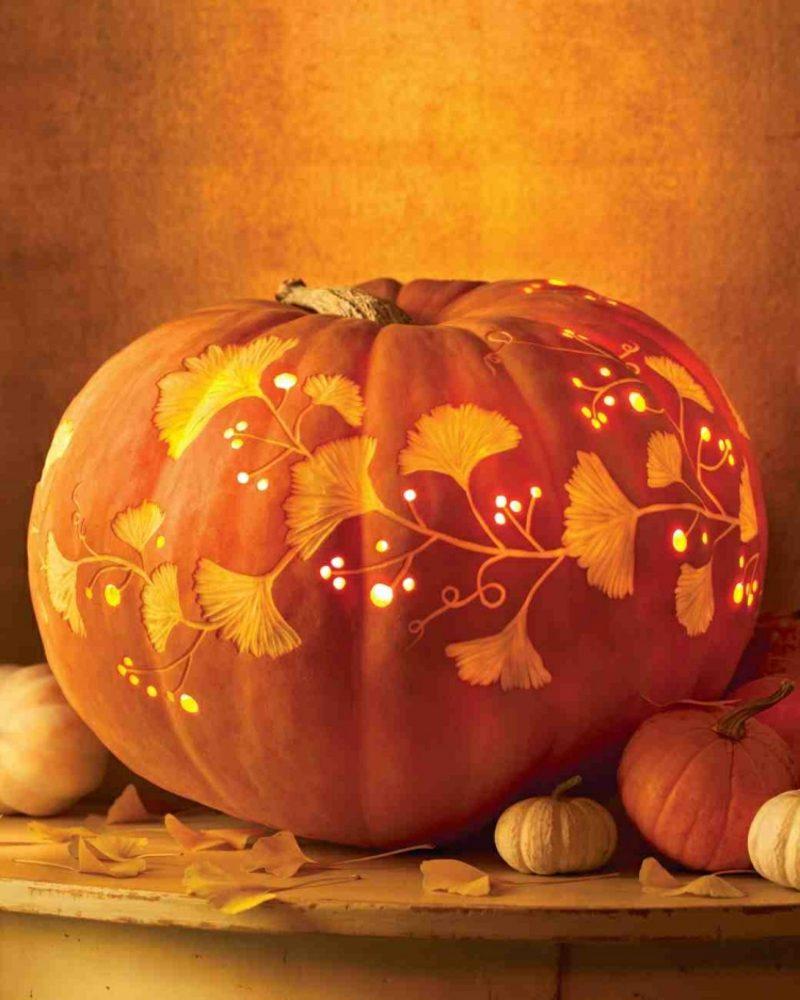 Halloween Kürbis feine Schnitzerei