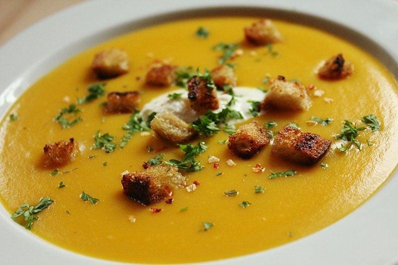 Chefkoch vegetarisch Rezept Kürbissuppe mit Croutons