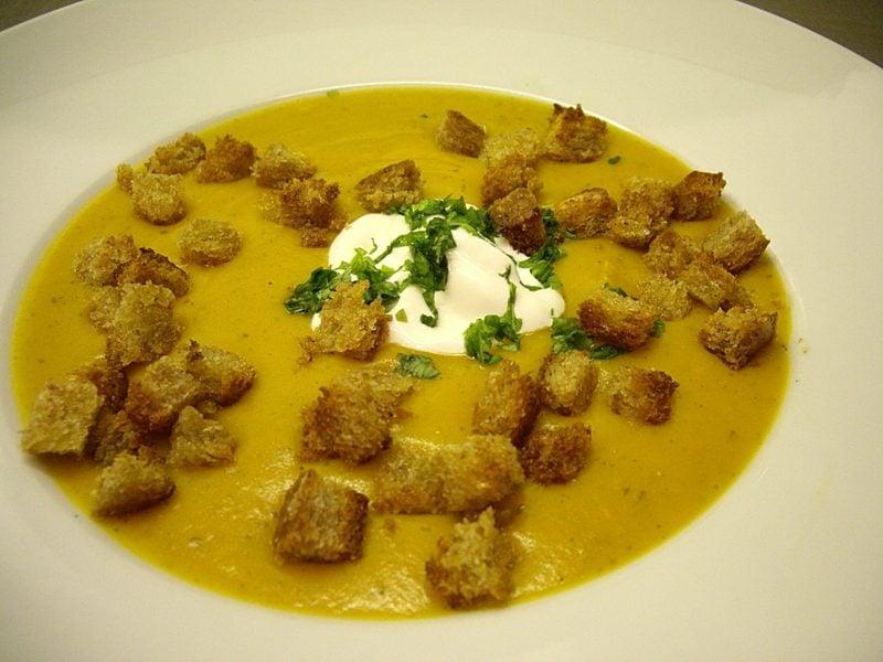 fleischlose Gerichte Kürbissuppe mit Croutons