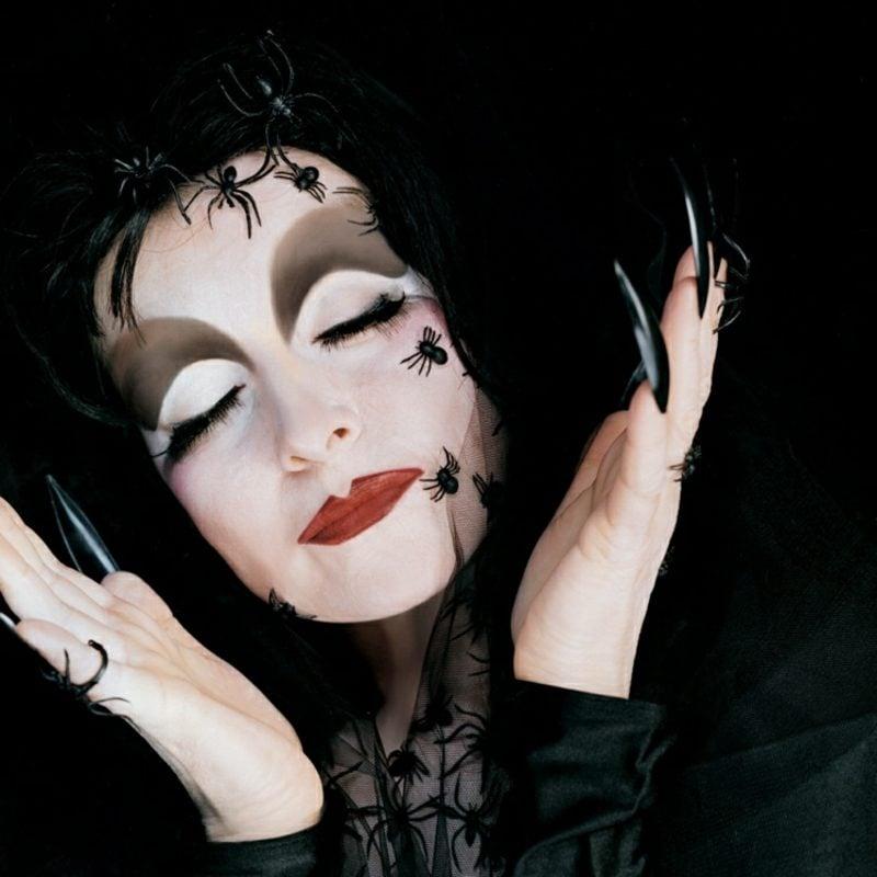 Kostüme Halloween Hexe mit Spinnen