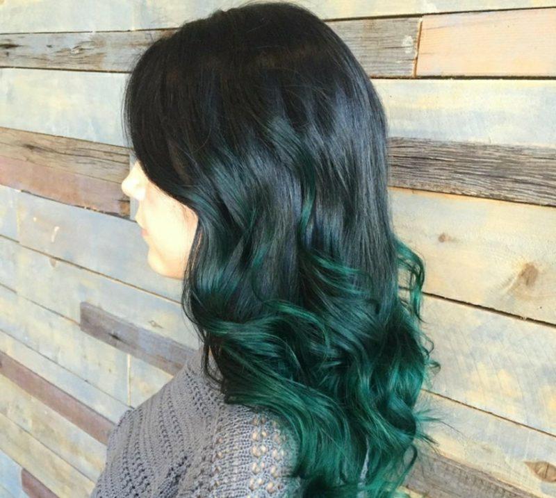 Painting Haare Ombre Look dunkelgrüne Spitzen