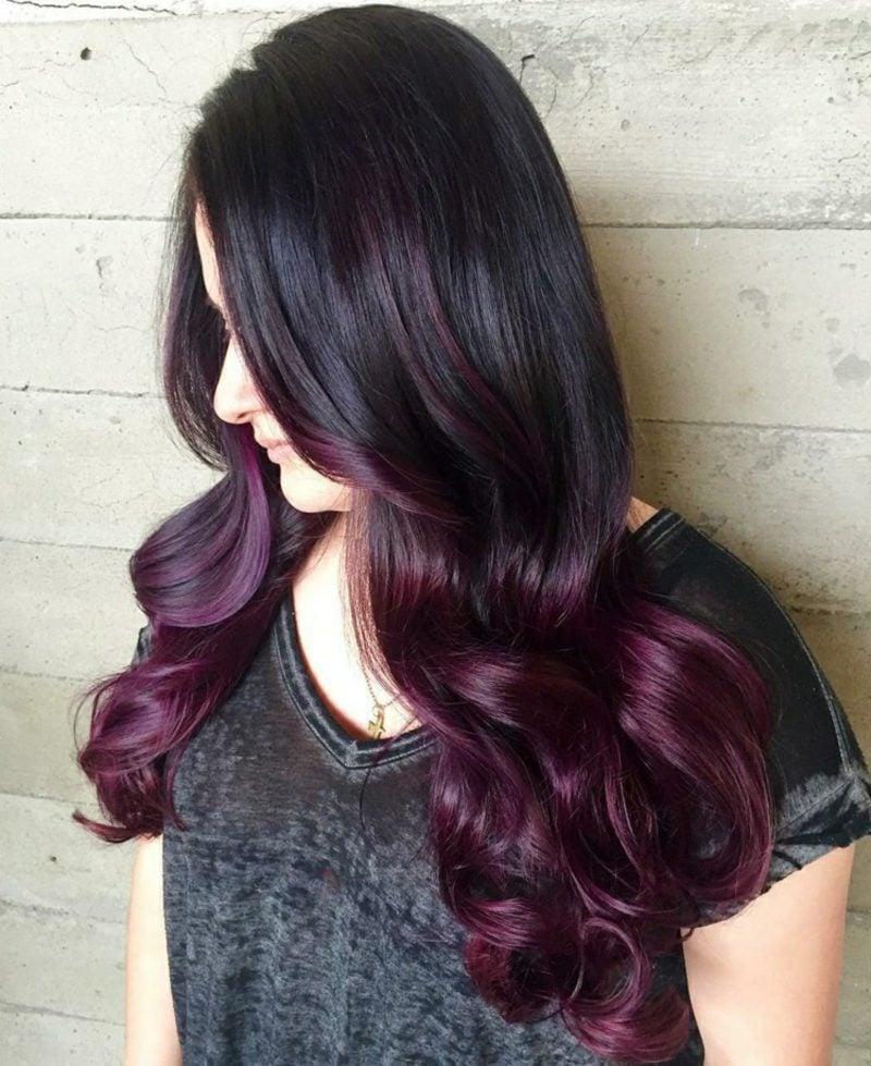 schöne Haarfarben Violett Ombre Look