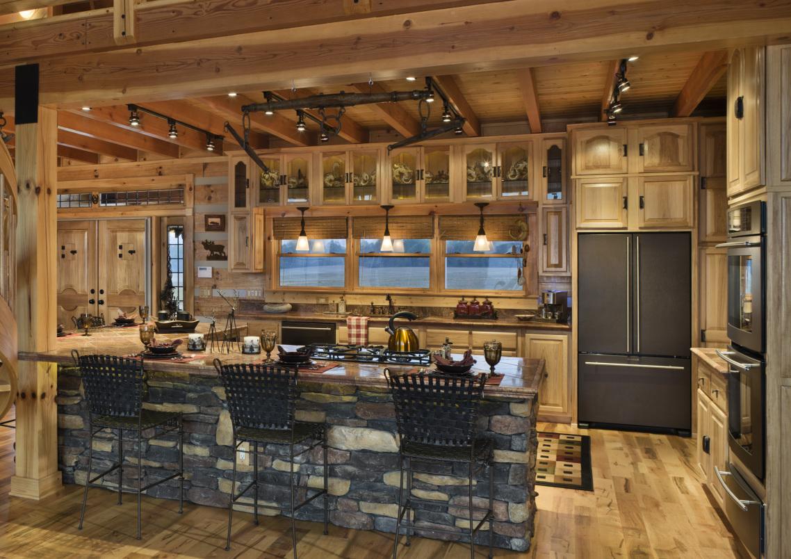 Schick aus Holz - Küche im Landhausstil