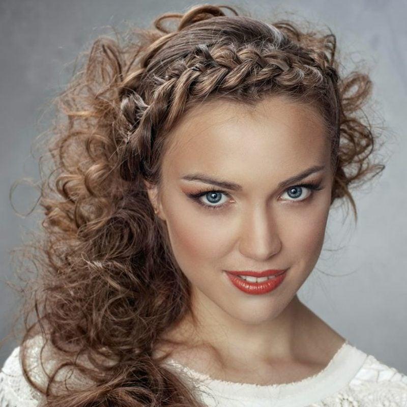 Haare flechten französischer Zopf