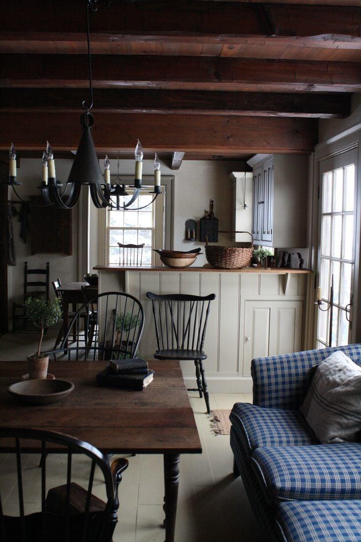 Landhausküche - dunkles Holz für mehr Wärme und Gemütlichkeit
