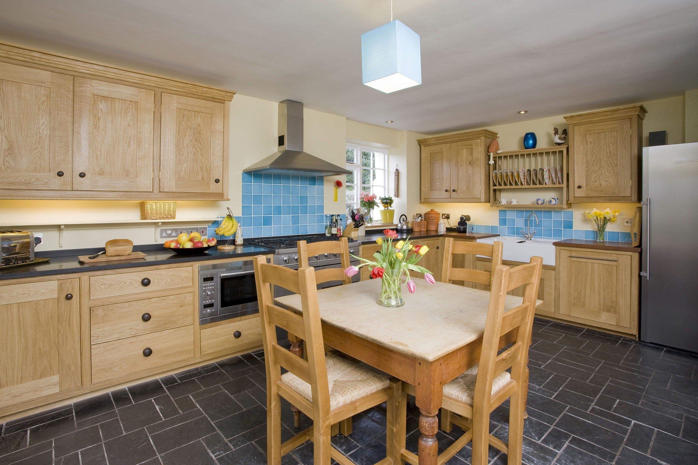 Küche in Landhausstil passt zu jeder Wohnung