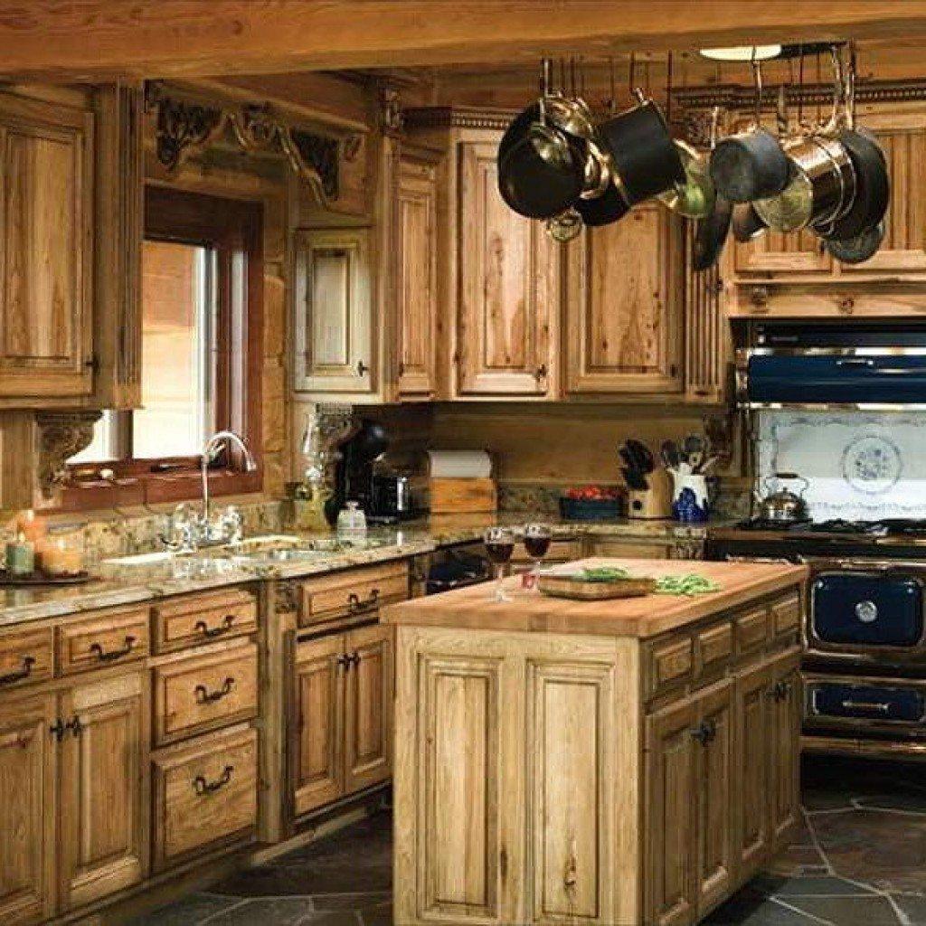 Massivholz-Küche im Landhausstil