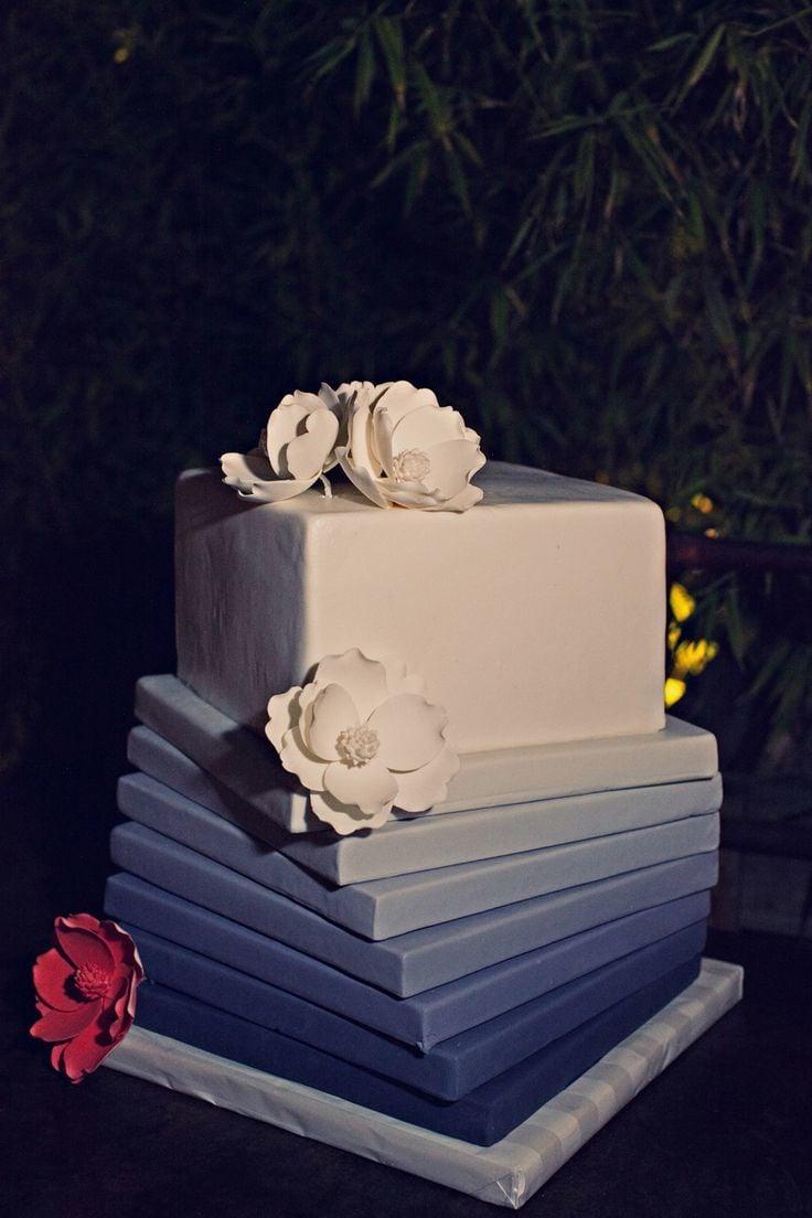 Edles Blau - schicke Ombre Torte