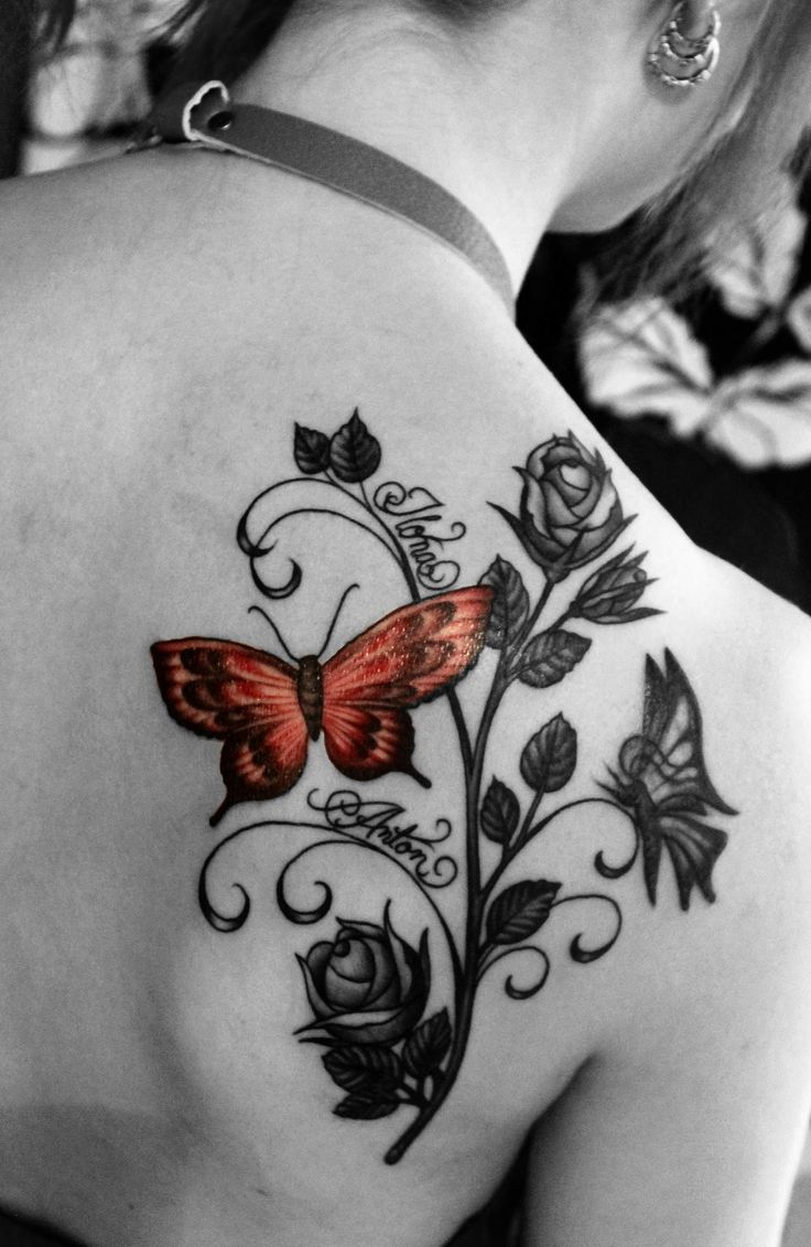 schönes Tattoo namen mit Schmetterlingen