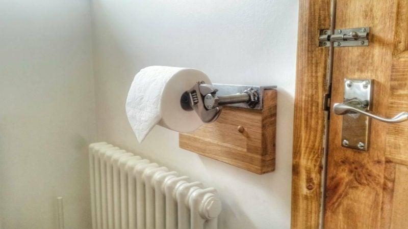 werkzeug toilettenpapierhalter