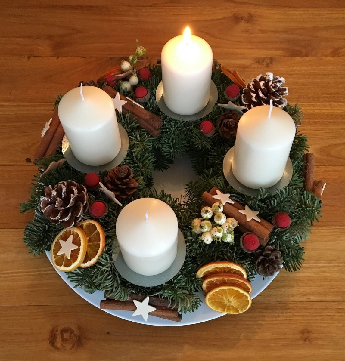 Adventkranz für 1. Advent zünden
