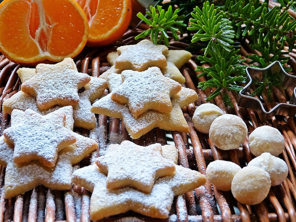 Am 1. Advent Pläzchen backen