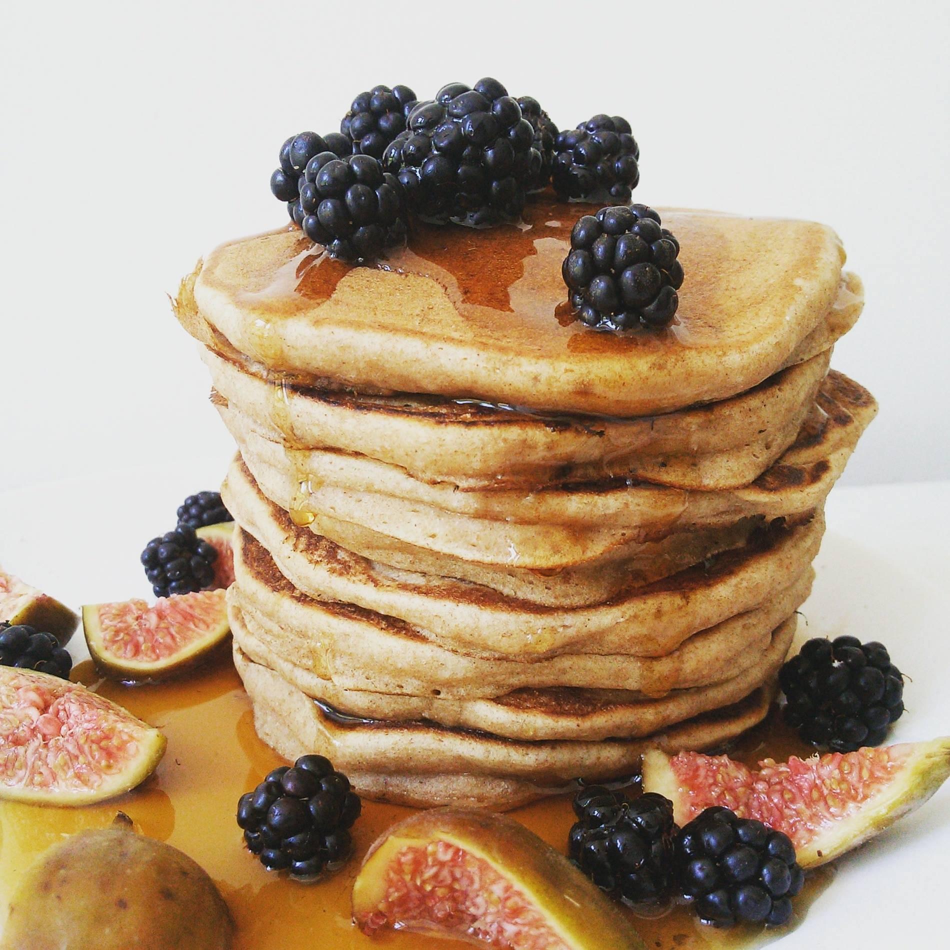 Leinsamenmehl, Eiweiss und Buttermilch - gesunde Pancakes