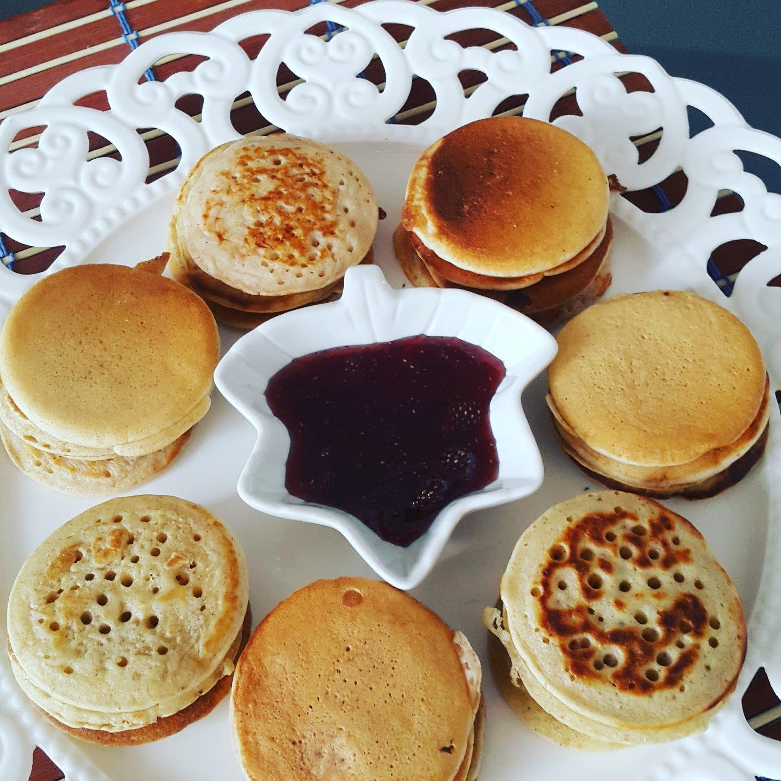 Pfannkuchen aus zwei verschiedenen Teigmassen