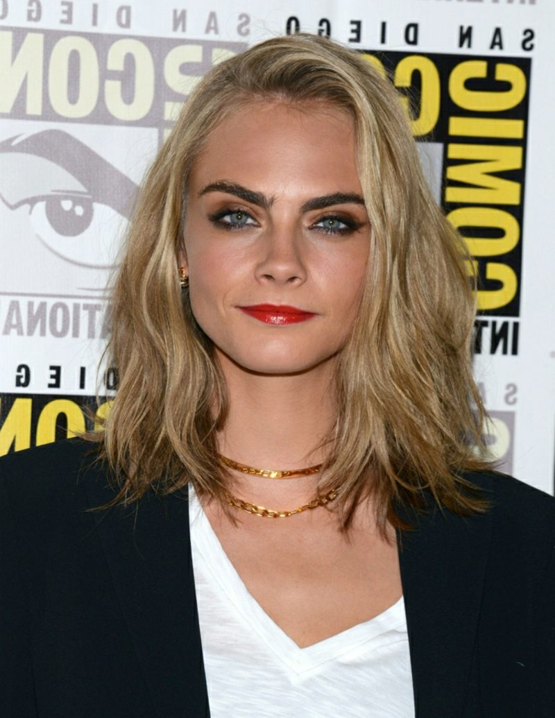 Long Bob Blond Cara Delevigne