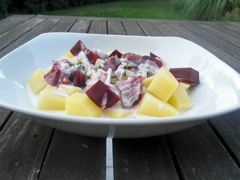 Salate kalorienarm gesund Rezept Salat mit Kartoffeln und Roter Bete