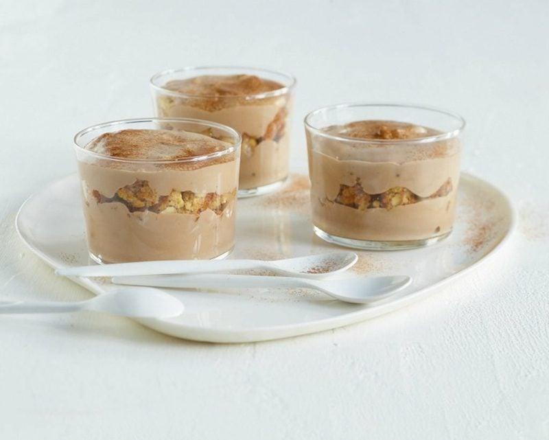 Weihnachtsdessert feine Schokoladencreme mit Cantuccini