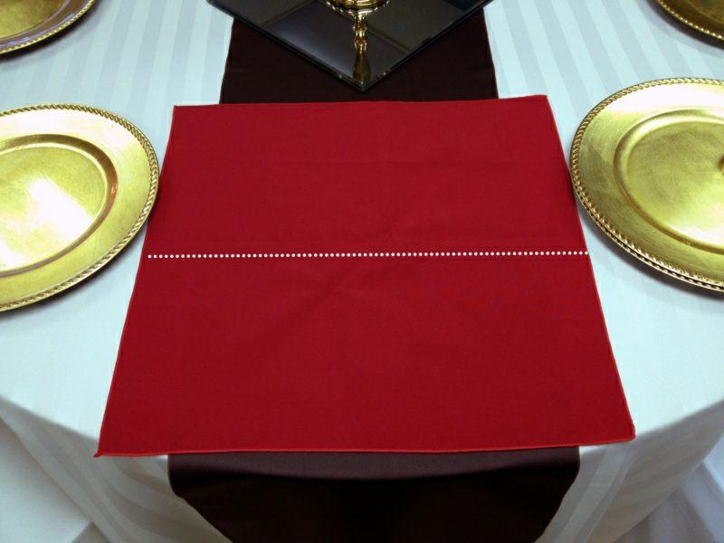Servietten falten zu Weihnachten Ahornblätter Bilderanleitung