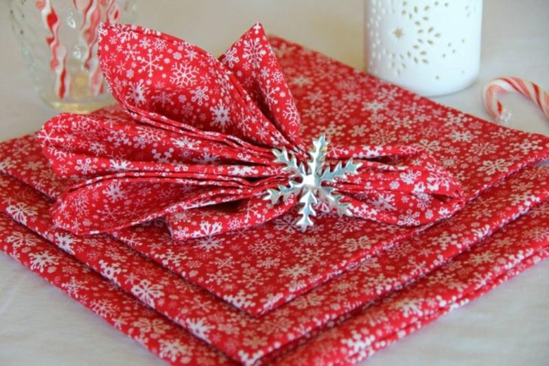 Servietten falten zu Weihnachten kunstvoll Ideen und Inspirationen