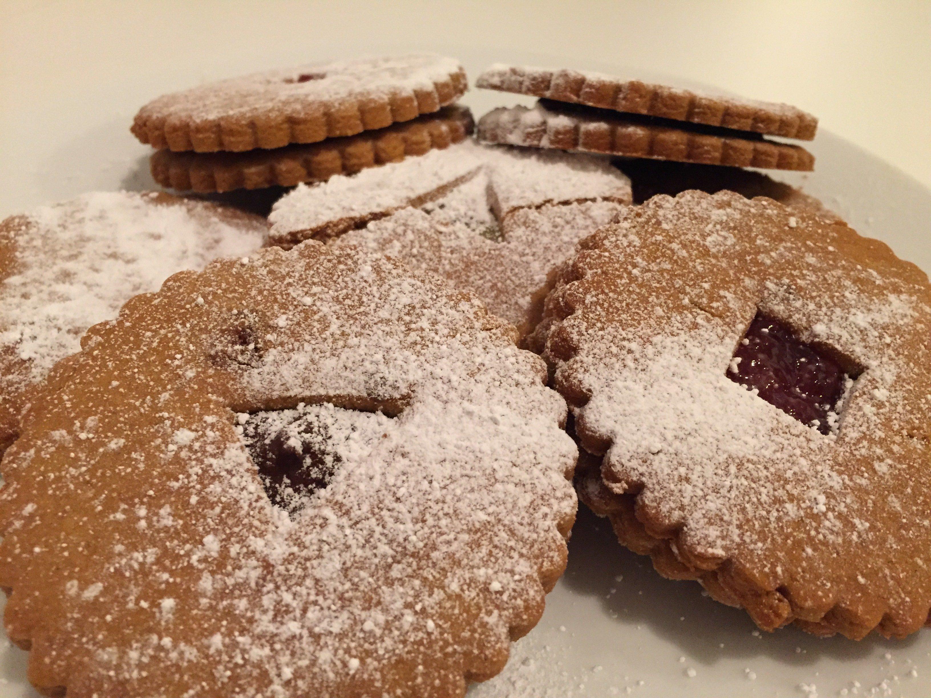 Vegane Linzer - Weihnachtsplätzchen zum ausstechen