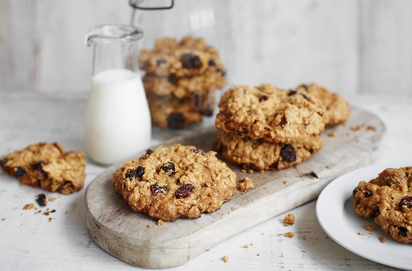 Haferflocken und Rosinen - vegane Kekse