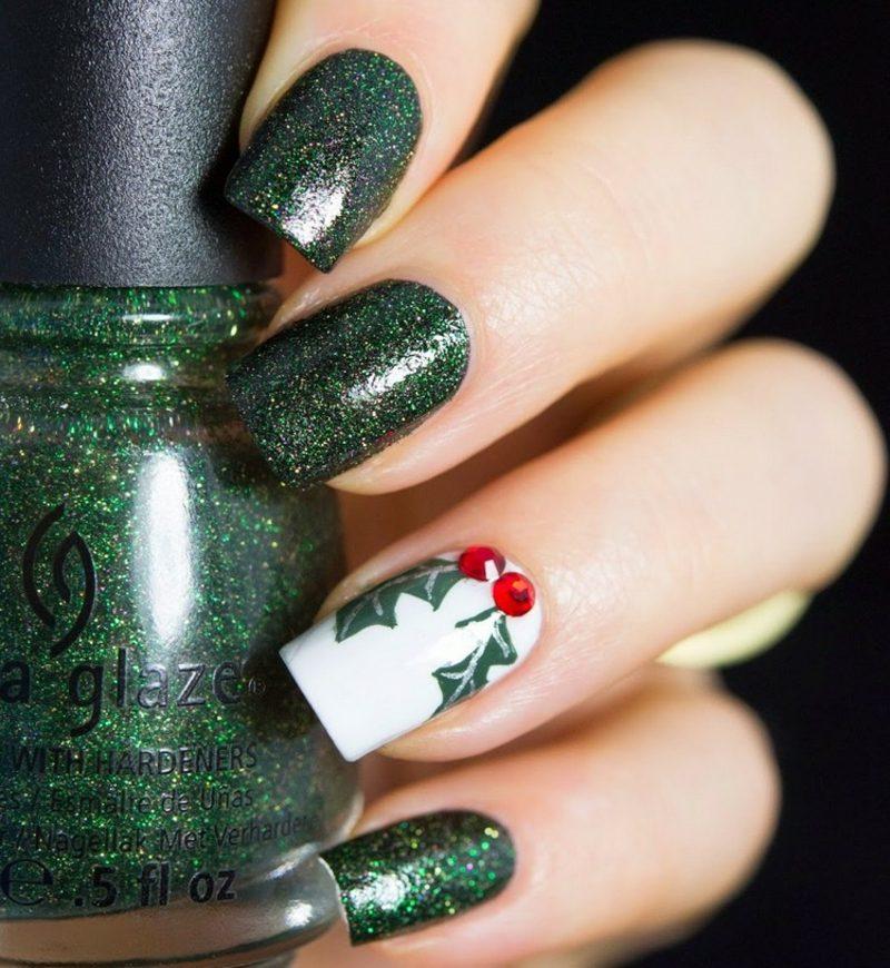 Nageldesign Weihnachten Dunkelgrün Beeren