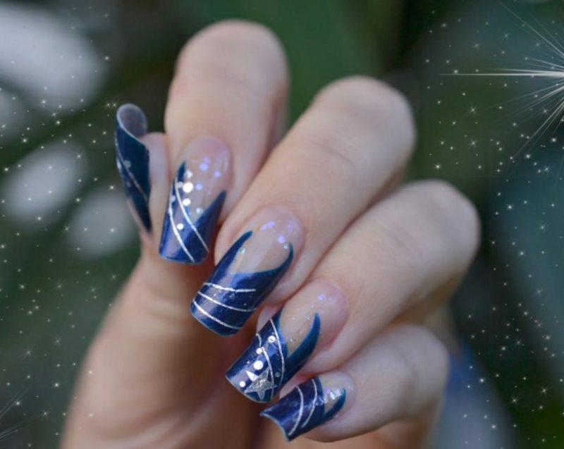 Nageldesign Weihnachten tolle French Maniküre dunkelblau