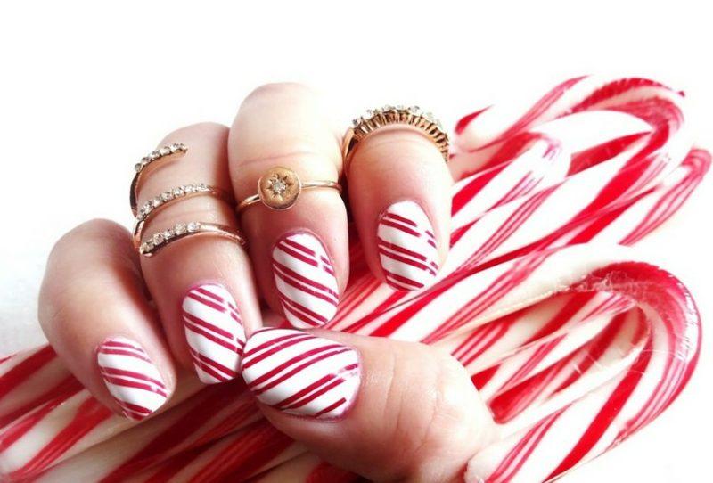 Nageldesign Weihnachten Zuckerstangen